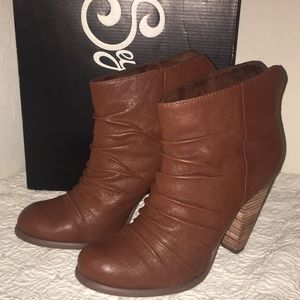 Seychelles Women's Secret Ankle Boots